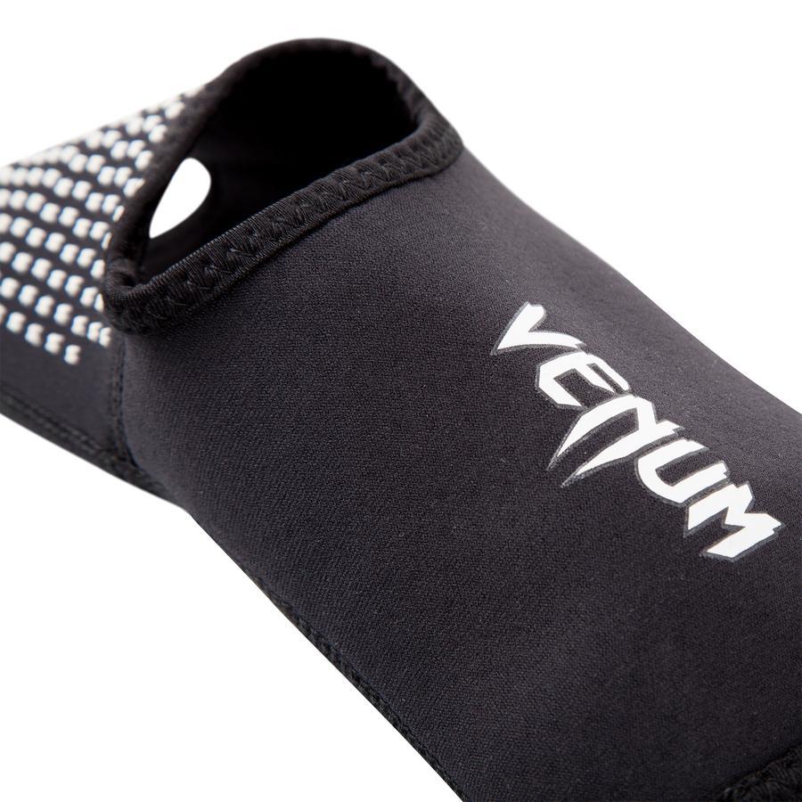 Голеностопы Venum Kontact Evo Foot Grips Размер: S