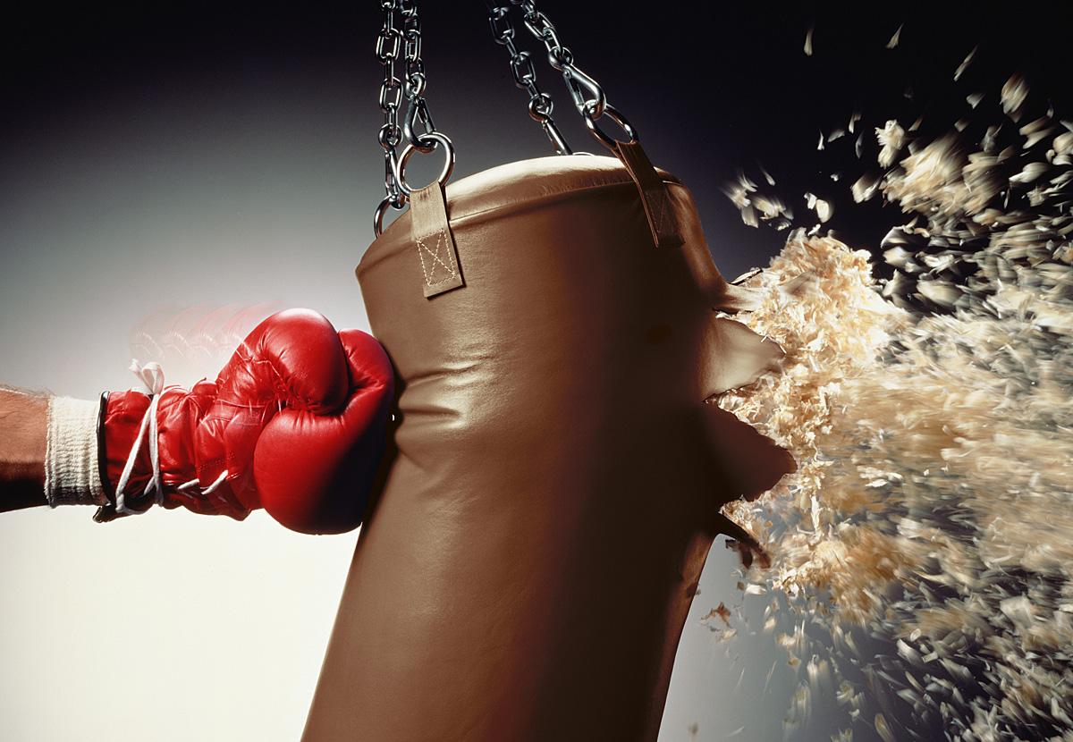 Как правильно бить боксерскую грушу? Техника тренировок